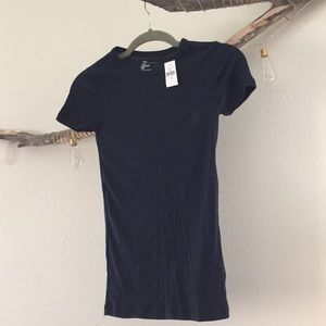 Gap fitted tee